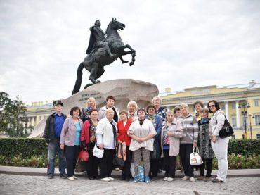 Жители Заневского поселения познакомились с тайнами Северной столицы