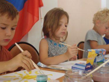 Дети рисуют спорт