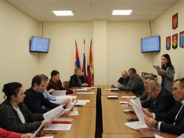Совет депутатов: борьба с незаконной торговлей и инвентаризация дорог