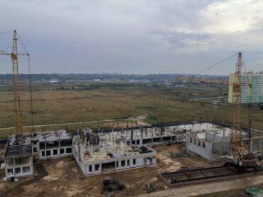 В Янино строят школу на 825 мест