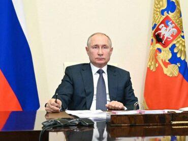 Президент поручил регионам запретить работу общепита и развлекательные мероприятия ночью